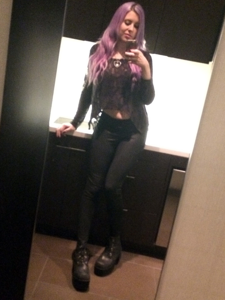 Kelly-Sunshine-Vegas-AVN-AEE-2015-(17)