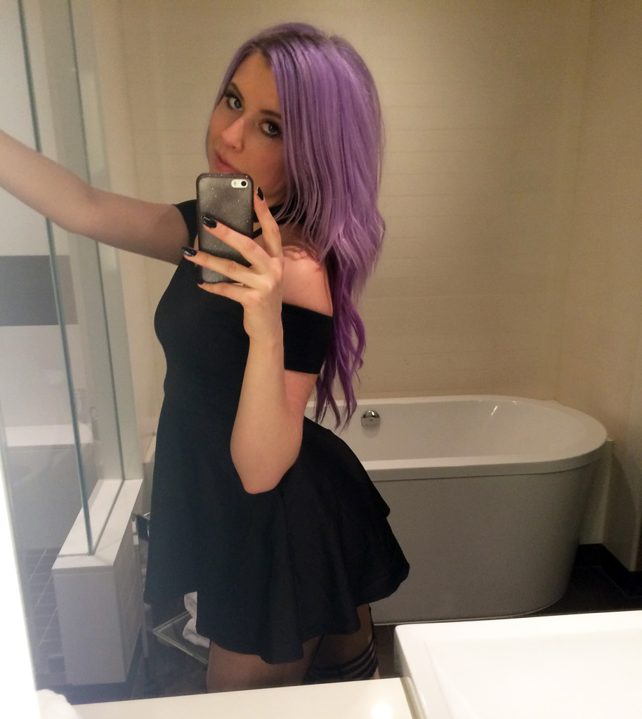Kelly-Sunshine-Vegas-AVN-AEE-2015-(23)