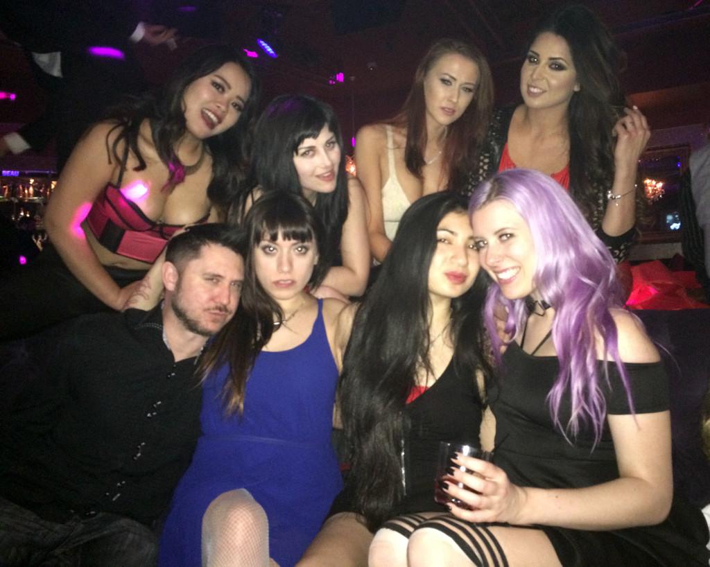 Kelly-Sunshine-Vegas-AVN-AEE-2015-(30)