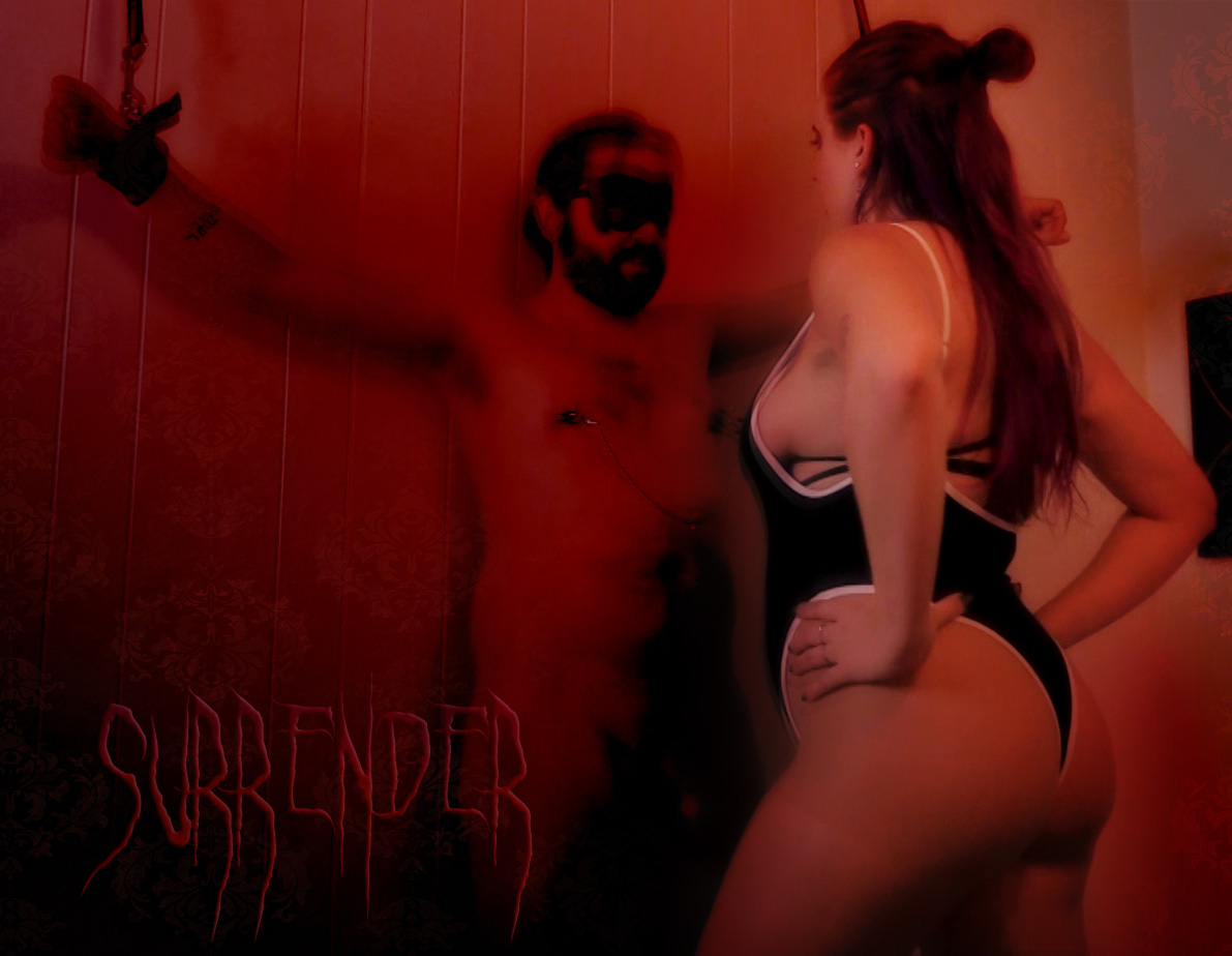 Dominatrix in Minneapolis with slave in bondage